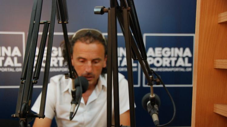 Ο Βασίλης Ζαμπέλης στο ραδιόφωνο του Aegina Portal για τις καλοκαιρινές δραστηριότητες του OAKA.