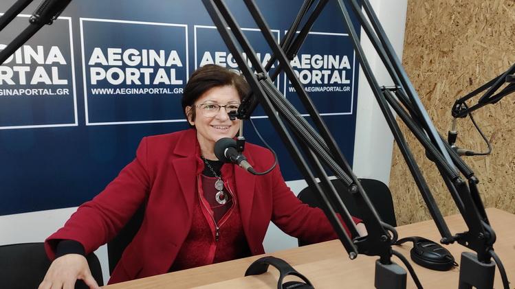 H βουλευτής και μέλος της Κ.Ε. του ΚΚΕ Διαμάντω Μανωλάκου, για τις ελλείψεις του Κέντρου Υγείας και την περιοδεία της στην Αίγινα.